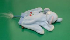 ゾウの手袋1